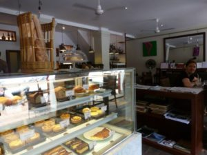 Le Cafe Ban Vat Sene in Luang Prabang pastries