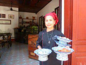 3 Nagas waitress Luang Prabang